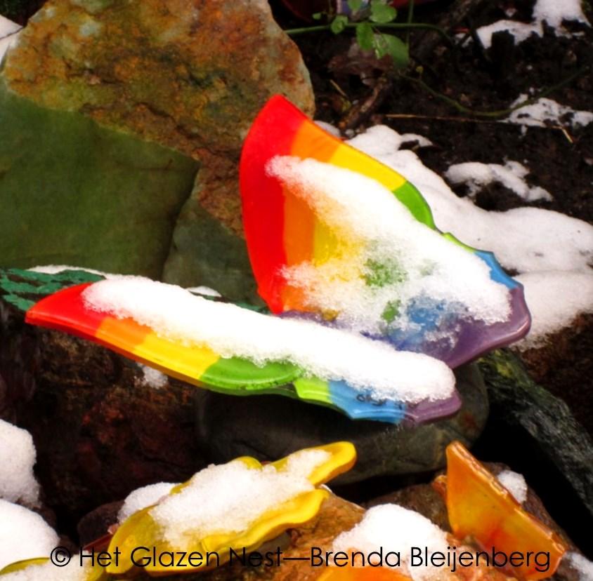 5a - glazen vlinder in de sneeuw - brendableijenberg - atelierhetglazennest
